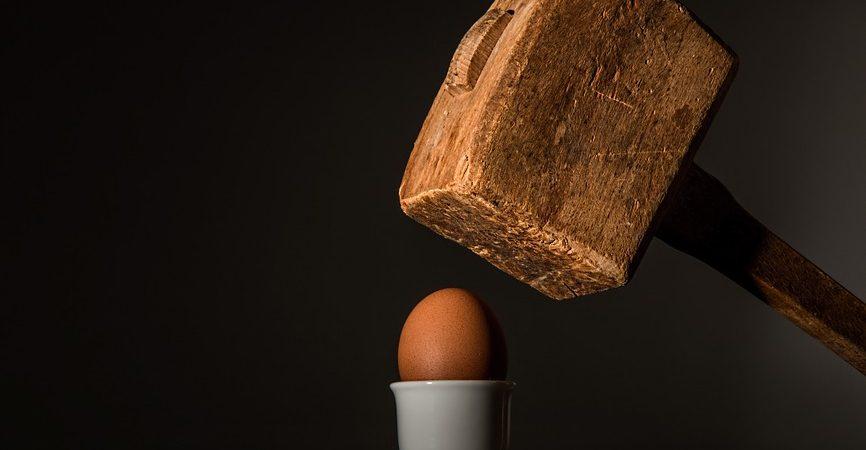egg 583163 960 720 866x450 - Tips for Packing Fragile Items