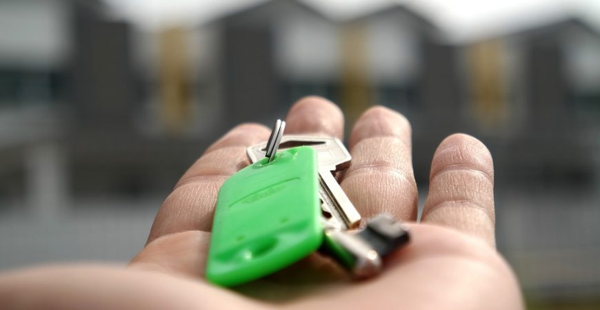 Keys to an affordable family house in NJ, waiting for you.